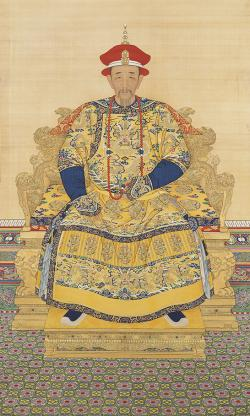 Portrait of the Kangxi Emperor in Court Dress, by Anonymous court artists. Late Kangxi period. Hanging scroll, colour on silk. The Palace Museum, Beijing.